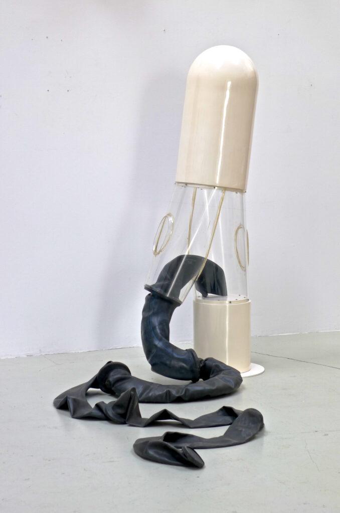 Hose durchsichtig, 1969 • fiber-glass reinforced polyester, Plexiglas, rubber, 185 x 65 x 40 cm