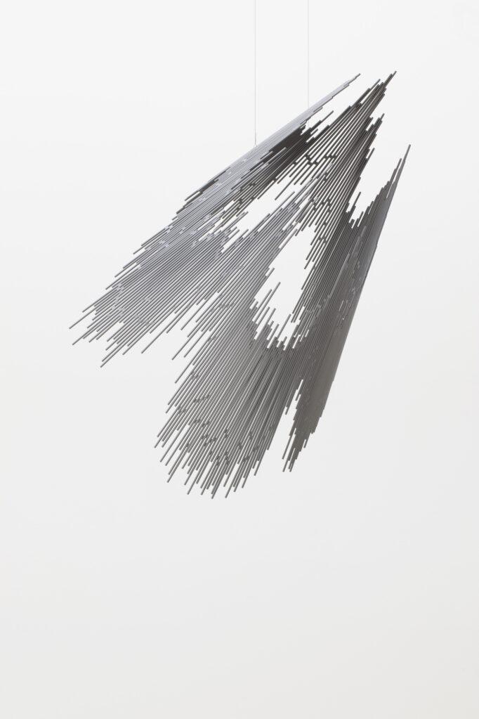 radiant konisch, 2018/19 • steel tube, polyester resin, 140 x 90 x 90 cm