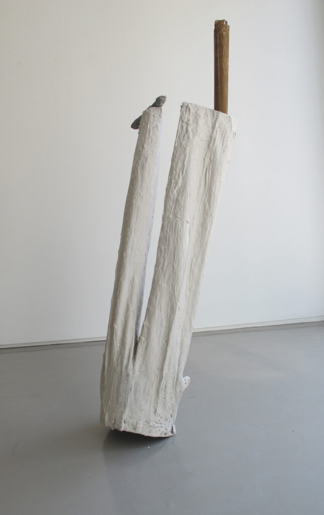 Ohne Titel, 2017 • plaster, pants, newspapers, adhesive tape, wood, 130 x 47 x 35 cm