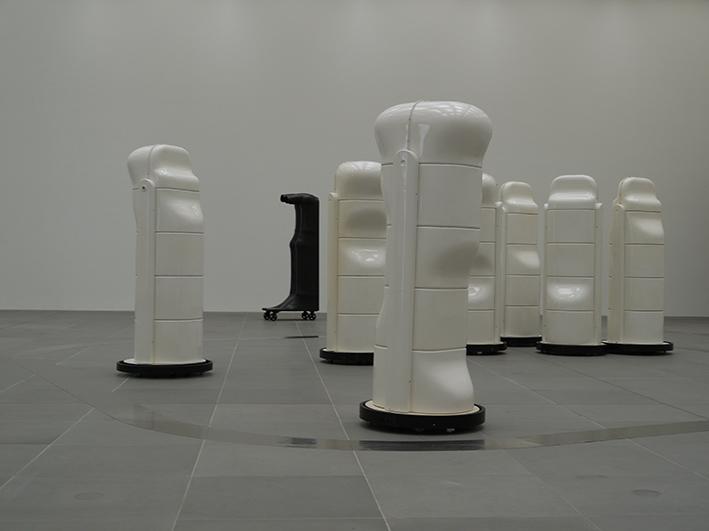 Grusinische Tänzer, 2010 • installation view Neues Museum - Staaliches Museum für Kunst und Design in Nürnberg, Germany