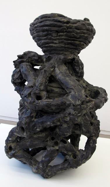 Das Reliquiengefäss als Skulptur, 1992 • bronze, 72 × 42 × 54 cm