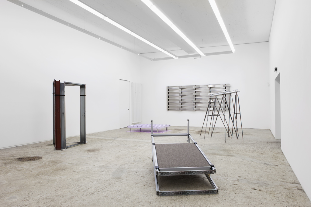 Exhibition view • «Solitaires», 2012