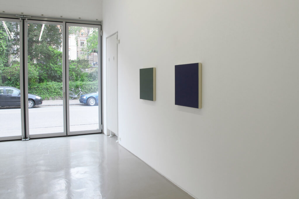 Exhibition view • Marcia Hafif «Shade Paintings», 2014