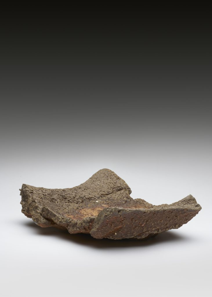 Ohne Titel • stoneware, burned in a wood-fired oven, 11 x 38 x 30 cm