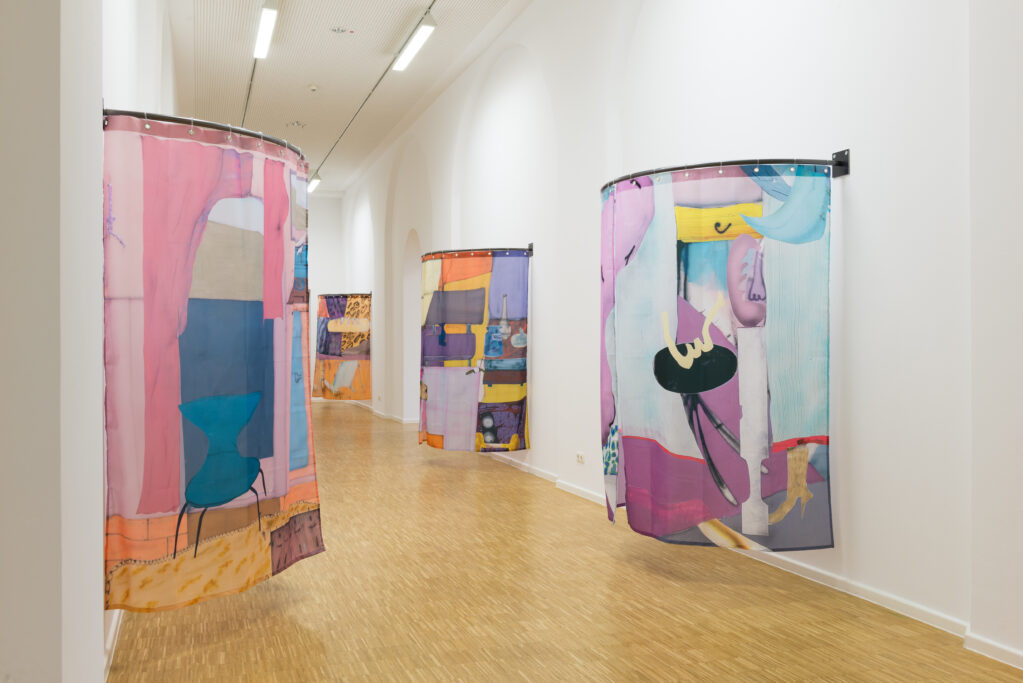 A Minibar in a Large Scale Room, 2019• Installation view Kunsthalle Nürnberg, (DE)