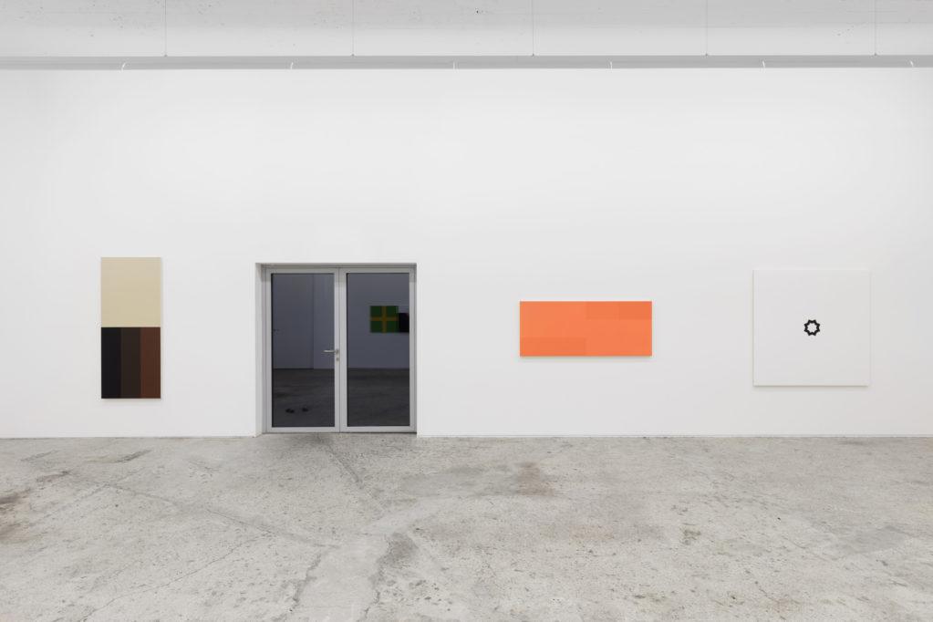 Exhibition view • Francis Baudevin «Halb Tanz»,   2018