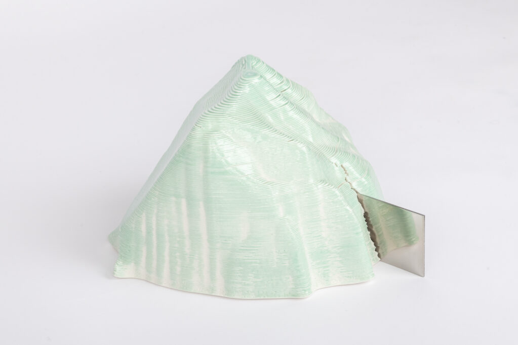 lake|reflection, 2020 • ceramics-3d-print with colored porcelain, 26 x 20 x 20 cm