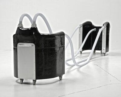 Joachim Bandau_Fahrbare schwarze Sesselgruppe