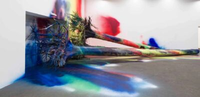"Katharina Grosse, I Think This Is a Pine Tree, 2013, exhibiton view ""Wall Works"", detail, Hamburger Bahnhof, 2013 © Staatliche Museen zu Berlin, Nationalgalerie / Thomas Bruns / VG Bild-Kunst / Bonn 2019"